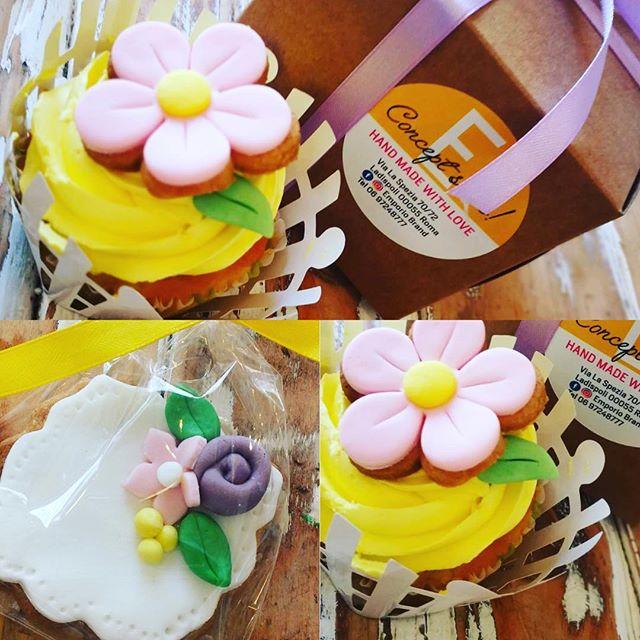 Buon pomeriggioDomani si avvicina...e non volete stupire la vostra donna con un dolcissimo regalo speciale ed unica?Cupcake con confezione e biscottini decoratiVieni a trovarci in store️#emporiobrand #drinkdresslive #cupcake #biscuits #girls #festadelladonna #8marzo #regalispeciali #dolcipensieri #sweet #cake #handmadewithlove #pasticceria #ladispoli