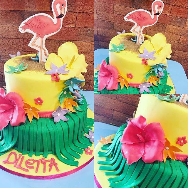 Per una bellissima bimba amante dell'estate, dei fiori e dei fenicotteri la nostra Ramona ha realizzato questa magnifica torta️Esplosiva, colorata, allegra e fashion proprio come lo è Diletta️Tanti auguriVi aspettiamo in store per esaudire tutti i vostri desideri#emporiobrand #drinkdesslive #sweet #cake #cakedesign #bakery #ladispoli #pasticceria #handmadewithlove️