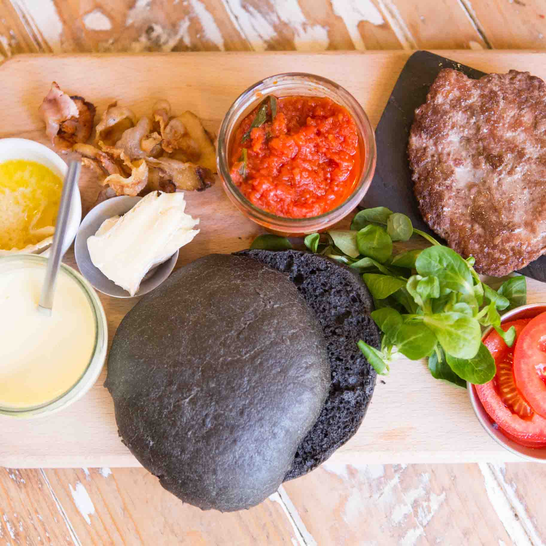 Emporio ladispoli Panini burger streetfood Pane nero 3