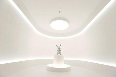 Jeff Koon's Rabbit Makes History