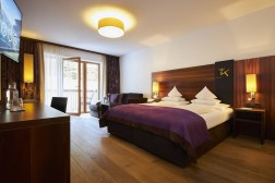 Das-Kronthaler-Hotel-on-emporium-spa-5