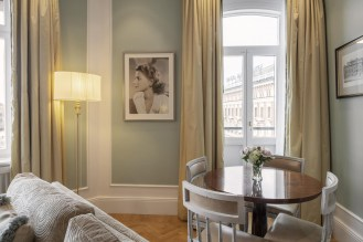 Grand-hotel-Stockholm-Emporium-Magazine-ingrid-bergman-suite