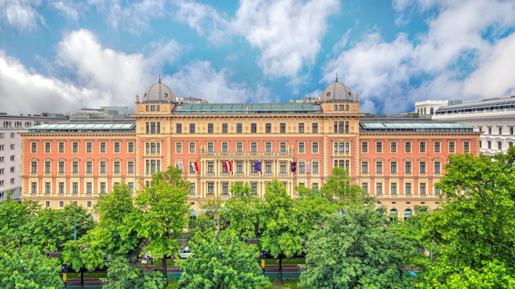 Vienna-a Unique Blend of Imperial Traditions and Stunning Modern Architecture