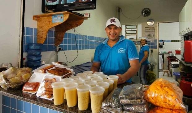 Atendente- ramo de alimentação em Copacabana / RJ