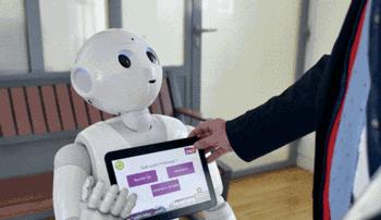 Interacción robots con asistentes a eventos