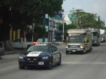 Resultado de imagen para caravana de casas rodantes escolta federales