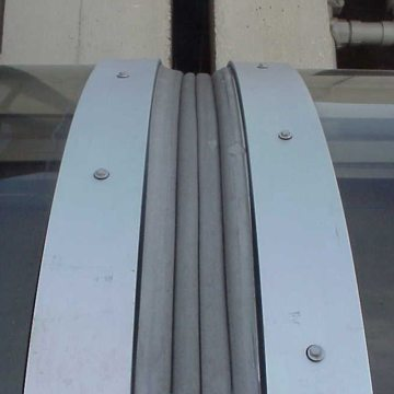 Curved EMSEAL Expansion Joints in Skylight