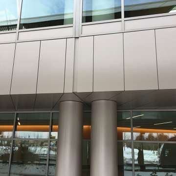 Curtainwall expansion joint sealed with Seismic Colorseal, hidden by wall system