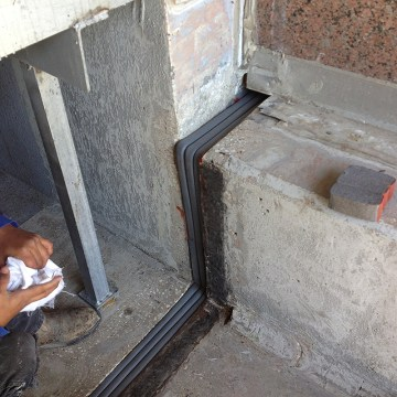 DFR Fire rated expansion joint fire barrier installation with Universal 90's from EMSEAL