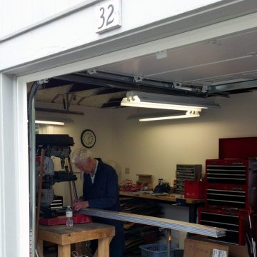 Peter-Hensley-working-on-SJS-Sample-in-Workshop