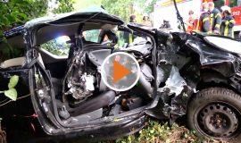 Screen_Alkoholisierte Fahrerin kollidiert mit BAum