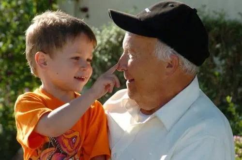 Abuelos y nietos: una relación que enriquece a ambos