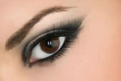 Aprende cómo aplicar maquillaje de ojos