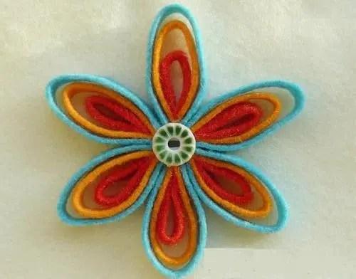 Cómo hacer una bonita flor con fieltro