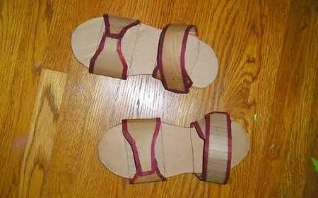 Cómo hacer unas sandalias de cartón