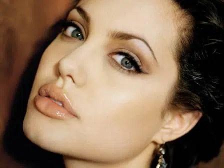 Cómo obtener unos labios como los de Angelina Jolie