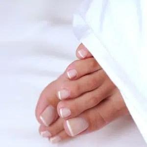 Cómo prevenir y detectar la aparición de hongos en los pies.