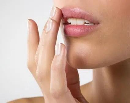 Cómo rejuvenecer los labios