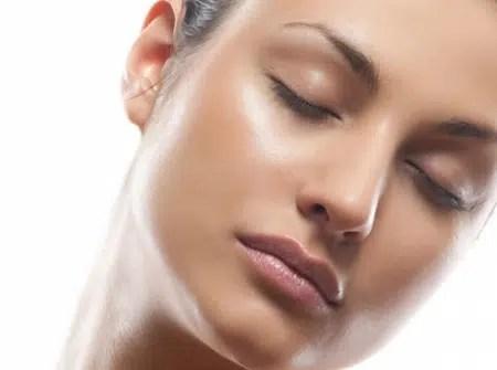 Consejos para la piel: cómo reducir brillo aceitoso