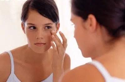 Consejos para reducir el enrojecimiento en las mejillas