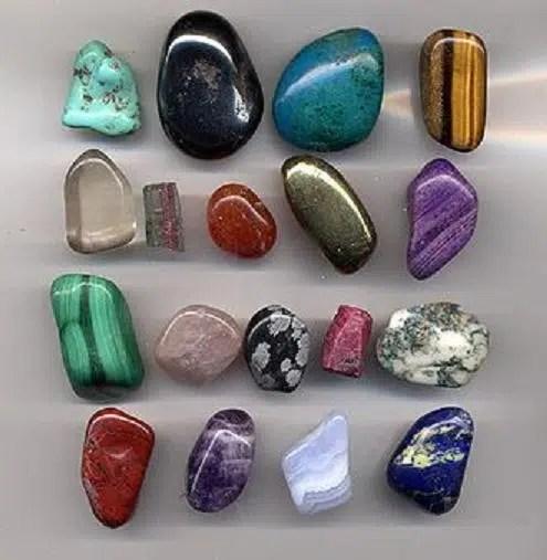 Cuadro con gemas decorativas
