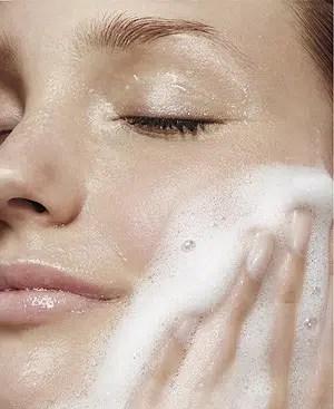 Kit básico para cuidar la piel del rostro