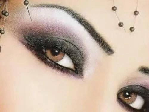 Evitar que el maquillaje de los ojos se corra