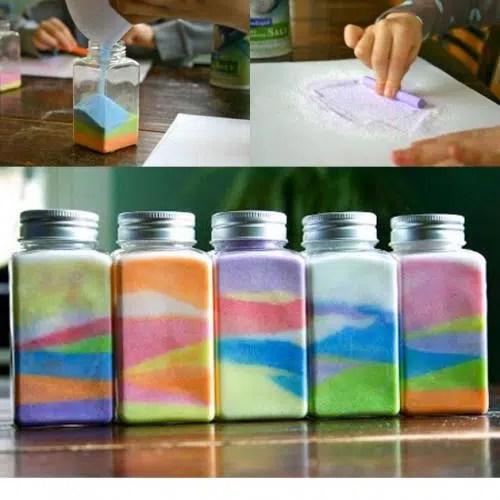 Frascos decorativos con sal de colores