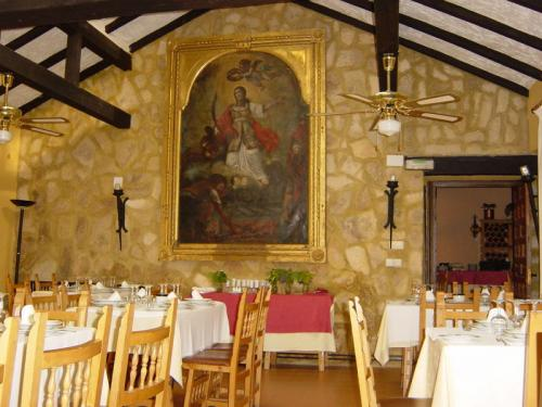 La experiencia de dormir en un convento: el Hotel Cueva del Fraile