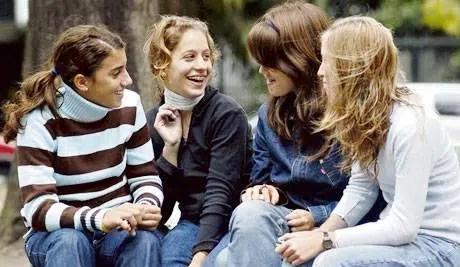 Las tres etapas por las que pasan los adolescentes