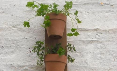 Una atractiva manera de tener tus hierbas y especias a mano en la cocina
