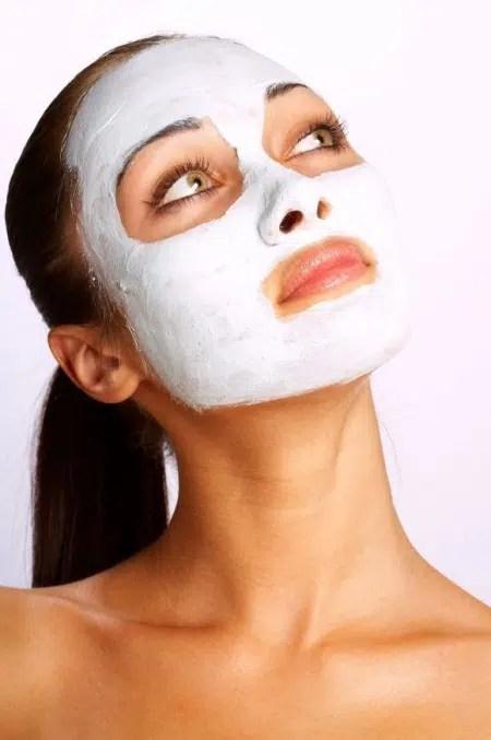 Máscaras faciales caseras hechas con ingredientes inusuales