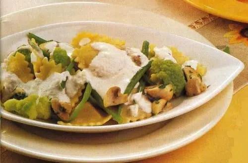 Raviolis con setas y verduras