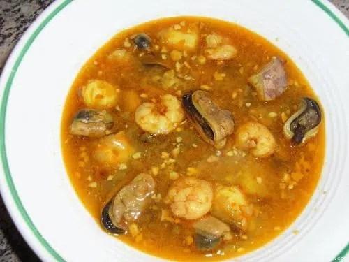 Sopa de pescado variado
