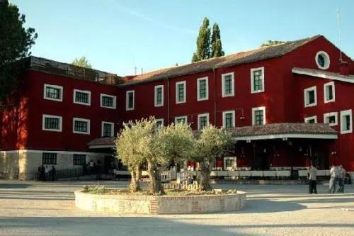 Un alojamiento del siglo XVI rodeado de olivos: el Hotel Molino de Cantarranas