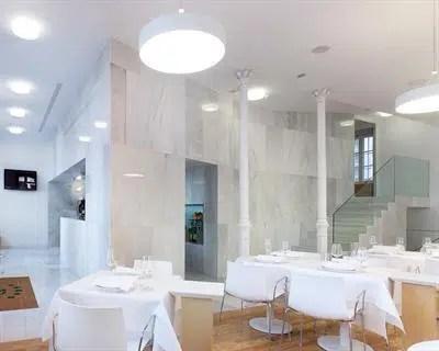 Un antiguo Palacio con una moderna decoración minimalista: el Hotel Pazo de Altamira, en Santiago de Compostela
