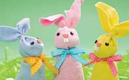 Unos conejos hechos con calcetines