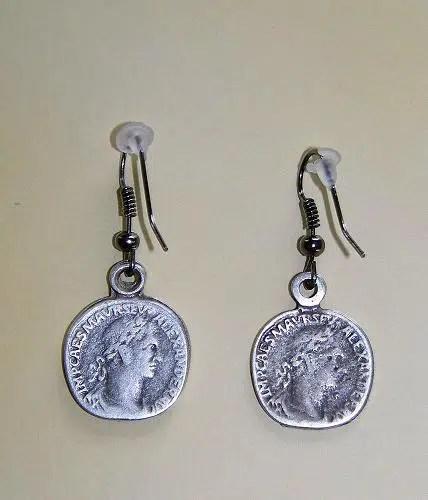 Unos originales pendientes hechos con unas monedas