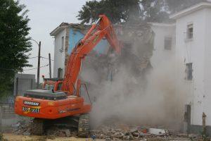 Demolición de Regiones Devastadas.