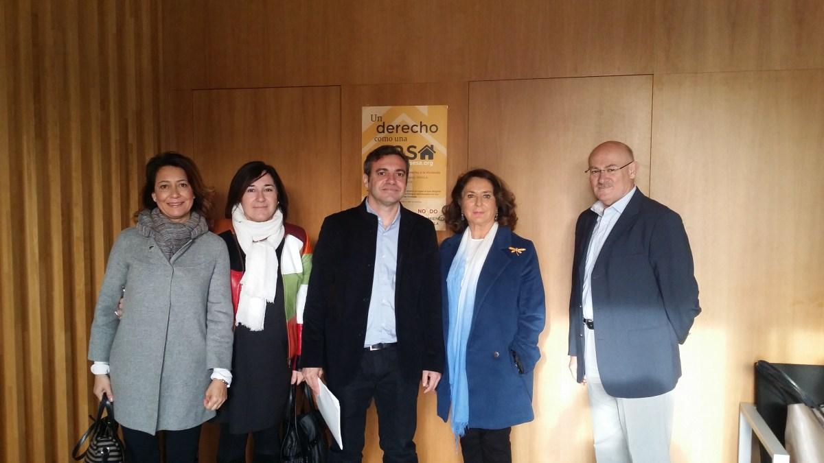 La Comisión Especial de Sugerencias y Reclamaciones del Ayuntamiento de Sevilla visita la OMDV