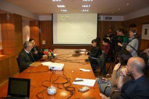 Juan Manuel Flores y Felipe Castro han presentado en rueda de prensa el Informe de Actuaciones de la OMDV.
