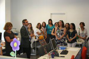 Felipe Castro, Gerente de Emvisesa, ha dado la bienvenida a los 20 profesionales que reforzarán la Oficina Municipal por el Derecho a la Vivienda.