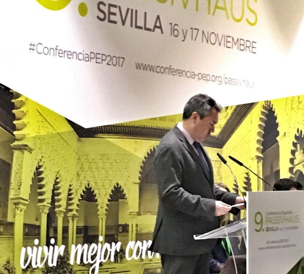 Juan Espadas apuesta por situar Emvisesa a la vanguardia de la eficiencia energética