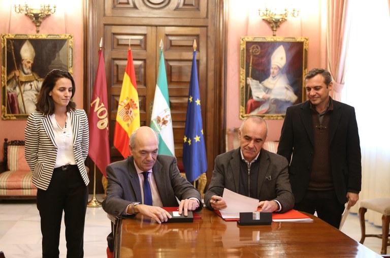 Firma del Convenio entre el Ayuntamiento de Sevilla y ANERR para la creación de la Oficina de Información Ciudadana para la Accesibilidad, Mejora Energética, Rehabilitación y Accesibilidad de la Vivienda