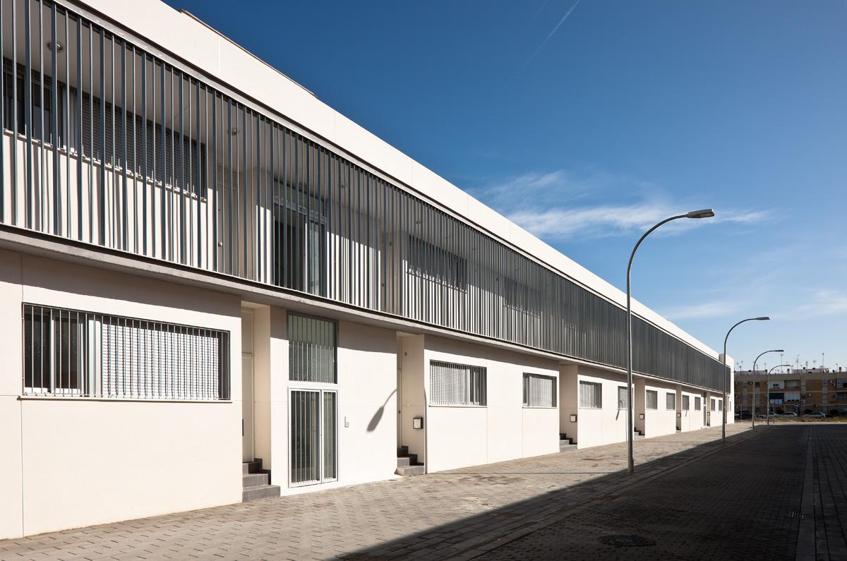 Emvisesa publica las listas definitivas de admitidos y excluidos en la convocatoria para adjudicar 18 viviendas en alquiler con opción a compra situadas en Pino Montano, Sevilla Este y Torrelaguna