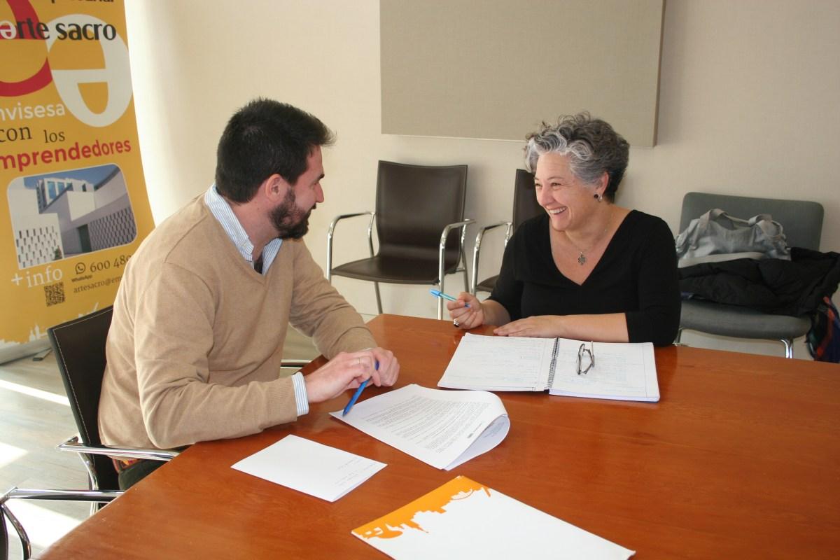 """Emvisesa recibe a 25 emprendedores en la jornada orientativa dedicada al """"Segundo Plan de Empleo y Activación de Locales Comerciales"""". Infórmate y #TráenosTuIdea."""