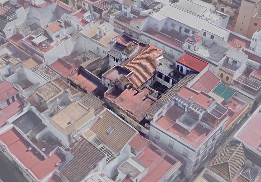 Vista aérea del edificio sito entre las calles García Ramos y Mendoza Ríos.