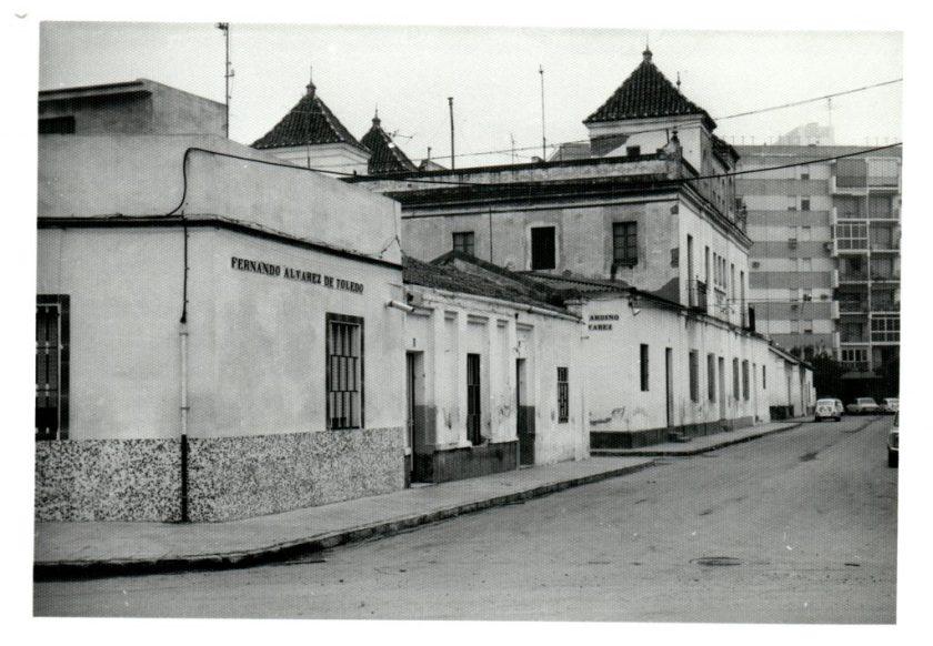 El Barrero, en el perímetro formado por las calles León XIII, Fray Isidoro de Sevilla, San Juan de Ribera y Muñoz León.