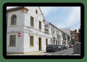 28 viviendas construidas en 1928 en la avenida de los Teatinos que aún se conservan. Foto: web de la Real Fundación