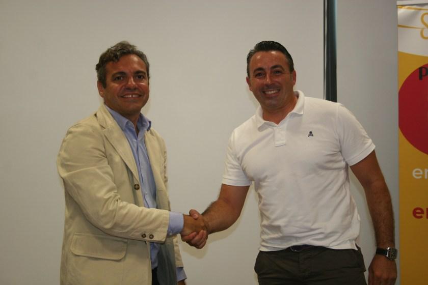 Felipe Castro, gerente de Emvisesa, y Francisco Guzmán, representante de Global Guzmán Prieto.